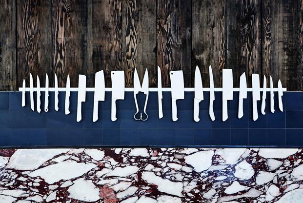 Mármol rojo y blanco usado en carnicería de diseño en Sydney