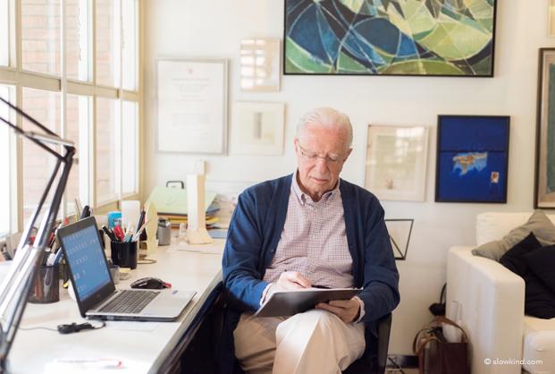 Andre Ricard en su estudio en gente Slowkind DIiariodesign