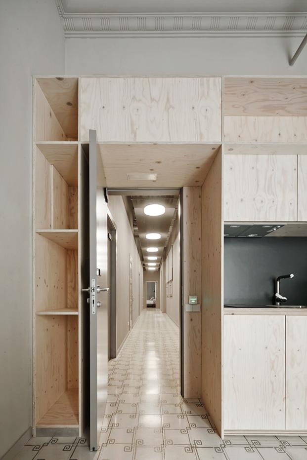 imagen pasillo aparthotel reforma en eixample barcelones diariodesign