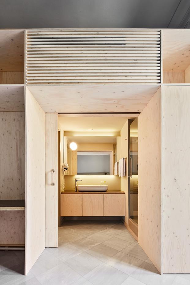 baño del aparthotel rehabilitacion en barcelona diariodesign