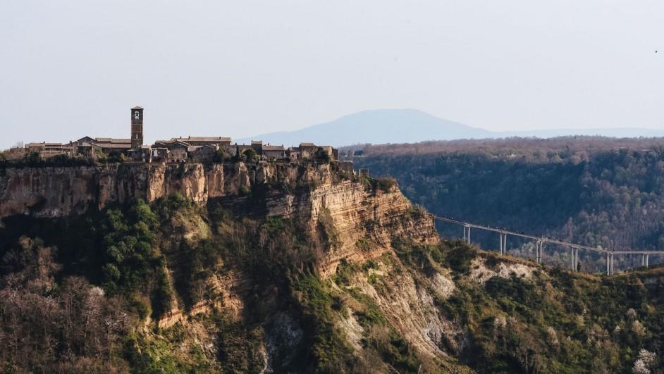 Airbnb italia rehabilitacion de DWA de la Casa del Artista en Civita di Bagnoregio Italia diariodesign