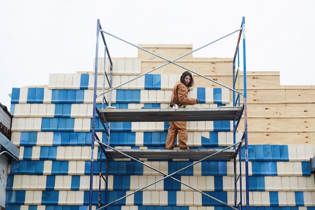 fachada de la fábrica Assemble Collective ADDO New Yorkdisenadores espanoles jovenes talentos en diariodesign