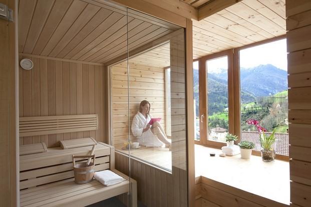 sauna finlandesa en un l ecohotel de Spf 51 arquitectos