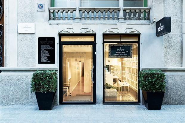 entrada de la peluquería VANITAS diariodesign