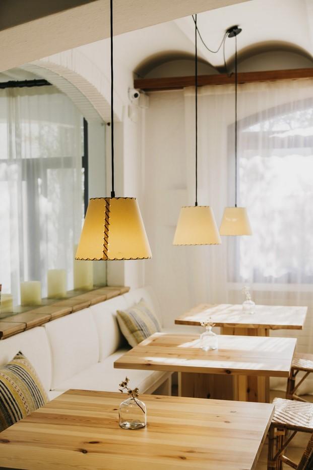 imagen restaurante del Hotel Nereta Cadaques mediterraneo diariodesign