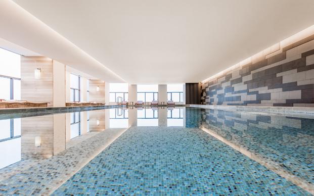 piscina del Hyatt Place Hotel en la china moderna diariodesign