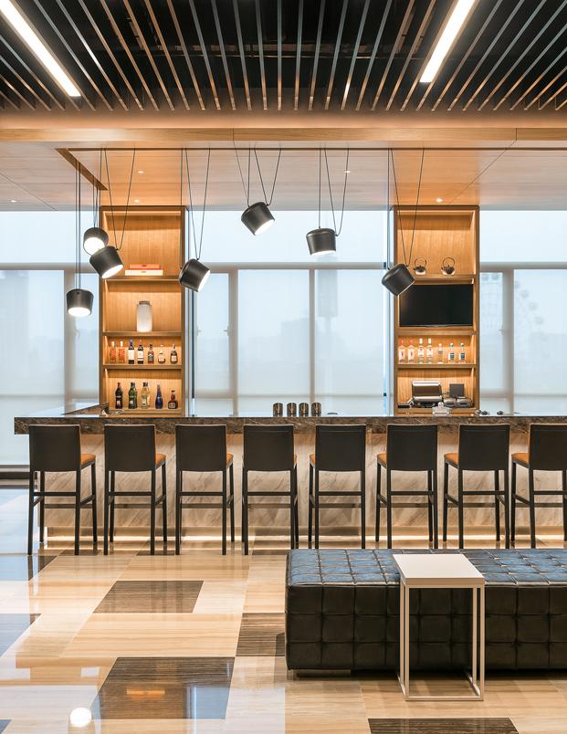 barra del hotel en la china moderna Hyatt Place Hotel Luoyang del estudio BLVD diariodesign