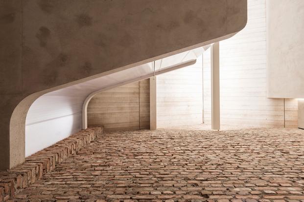jardin zen en impresonante casa del estudio Smartvoll en Salzburgo diariodesign