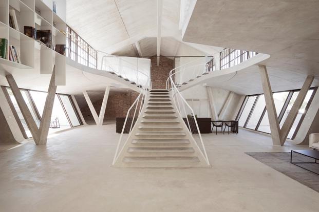 Loft Panzerhalle del estudio Smartvoll en Austria diariodesign