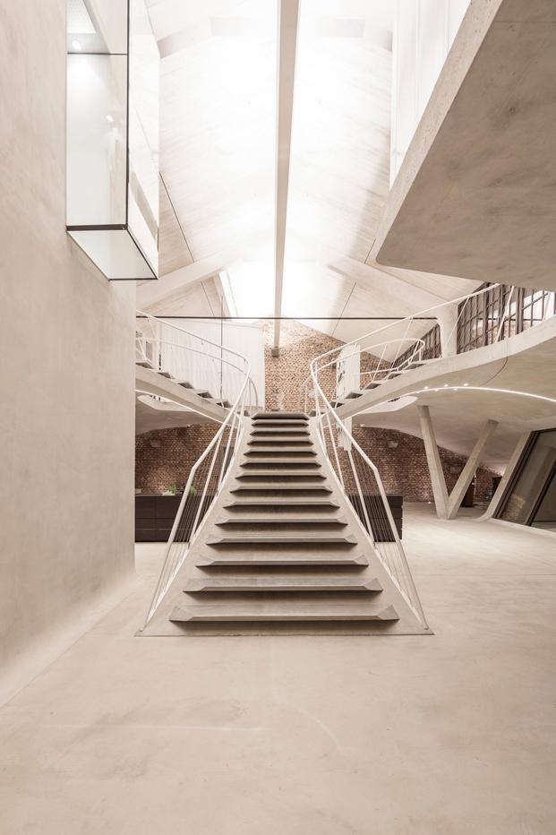 Loft Panzerhalle rehabilitado por Smartvoll Salzburgo diariodesign