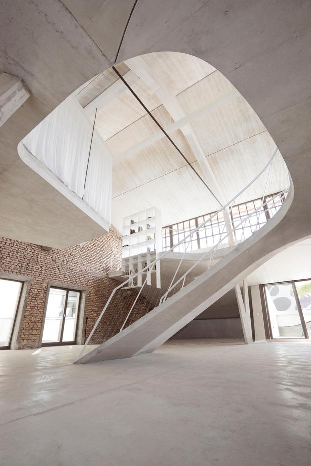 detalle Loft Panzerhalle reconstruccion edificio historico por el estudio Smartvoll Salzburgo diariodesign