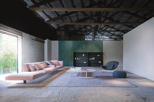 interior instalacion en la fábrica Orobia por Paola Lenti en Milan