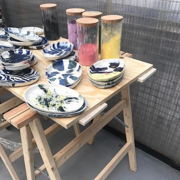 Piezas de ceramica de Assemble taller en Miniliving Milano diariodesign