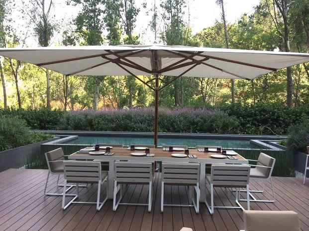 Resturante Luzia en México muebles de exterior de diseño de bivaq