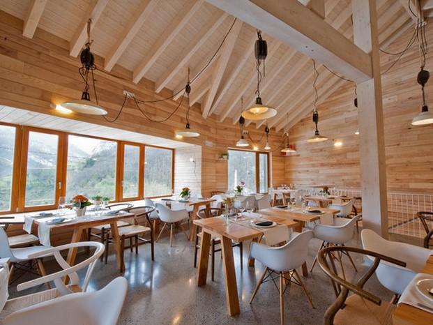 restaurante del ecohotel Tierra del agua diarioedsign