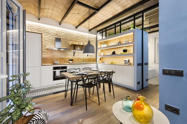 cocina en una casa de Playa Urbana en la barceloneta diariodesign