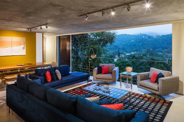 interior de la casa Ubatuba en Brasil diariodesign