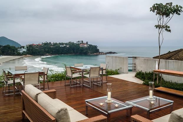 vistas al mar desde casa moderna en Ubatuba SPBR Arquitectos Nelson Kon Brasil diariodesign