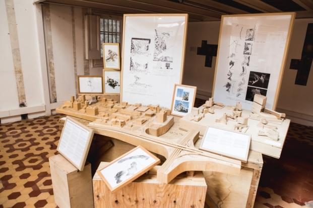 centro dilla recerca di padua en exposicion de enric miralles felicidad y arquitectura