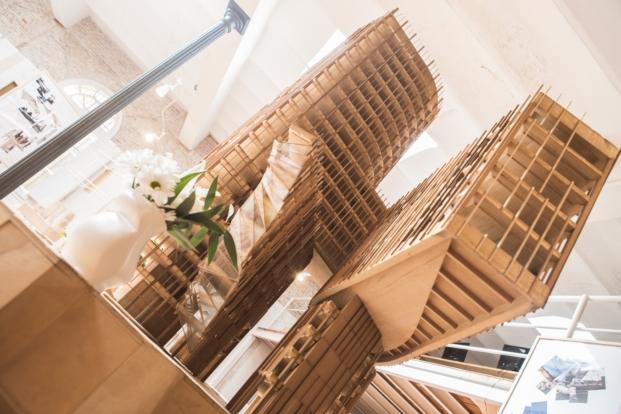 edificio calltrans en exposicion felicidad y arquitectura de fundacion enric miralles