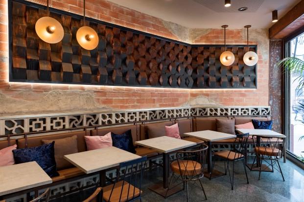 estetica industrial en bar la manera de masquespacio en valencia diario design 6