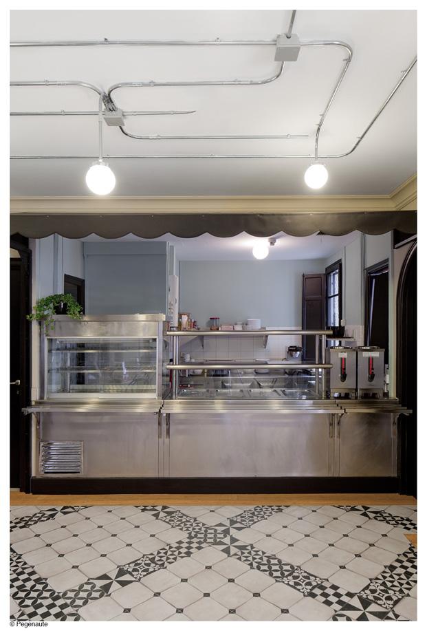 cocina del hostal en barcelona y residencia de estudiantes Nikbor Normal Estudio diariodesign