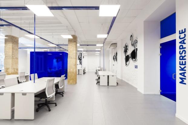 sala de reuniones oficinas de coworking knowhere en denia