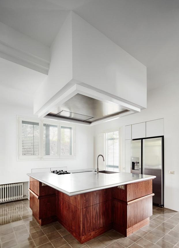 cocina de casa antigua rehabilitada en cerdanyola por el estudio de arquitectura interior arquitectura g