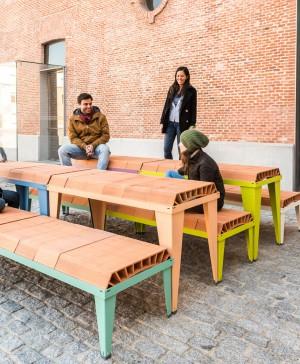 enorme estudio crea mobiliario urbano con bovedilla de ceramica para gastrofestival en madrid