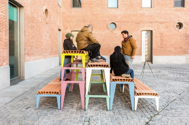 prototipo de mobiliario urbano de enorme estudio