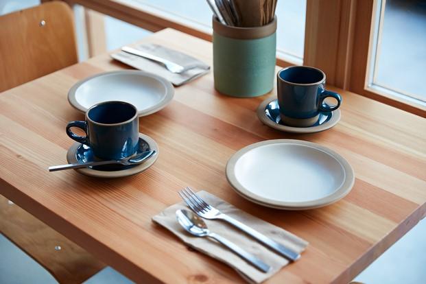 detalle de mesa de tartine en manufactory san francisco diariodesign