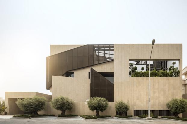exterior de casa con jardines en kuwait por AGi architects diariodesign