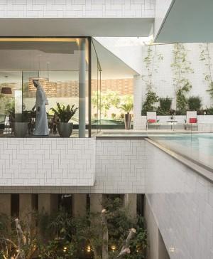 casa con jardines en kuwait por AGi architects