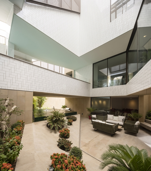 moderna vivienda en kuwait con jardines por AGi architects diariodesign