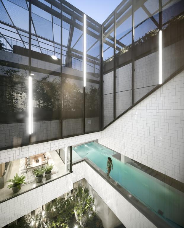 malla metálica deployé en una vivienda con jardines en kuwait diariodesign