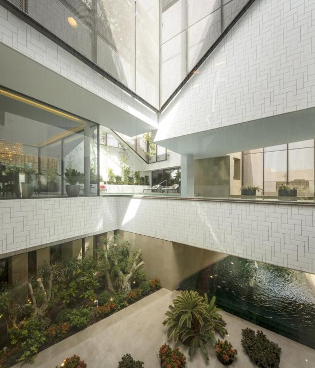 diferentes plantas en una casa con jardines en kuwait por AGi architects diariodesign