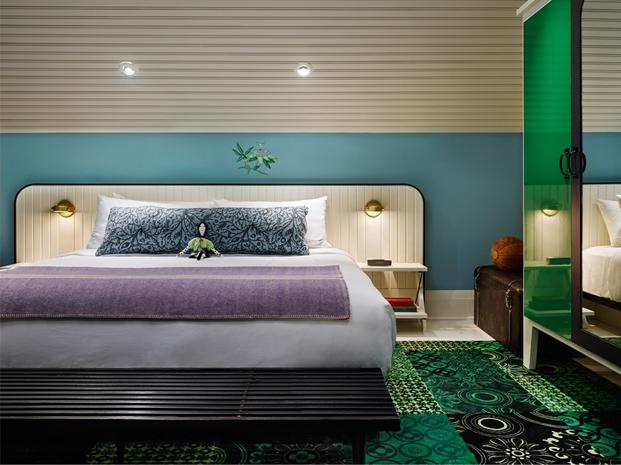 cama doble en Torontos Drake Hotel posada