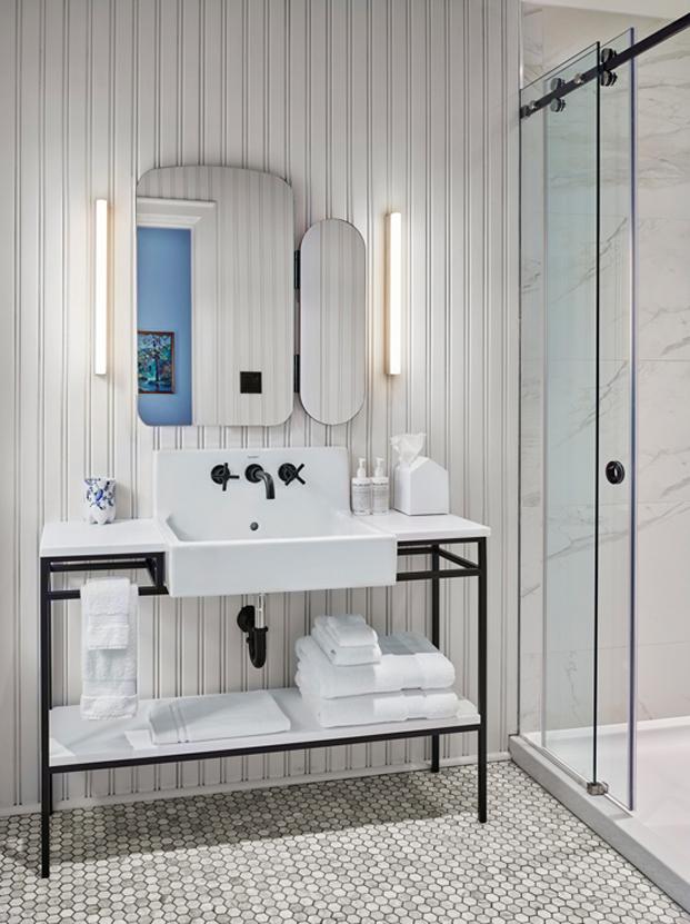 baño en Torontos Drake Hotel posada