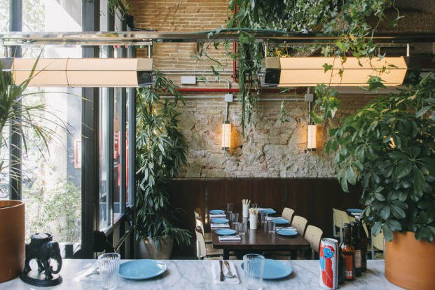 mesas restaurante del hotel bonay Elephant Crocodile Monkey diariodesign