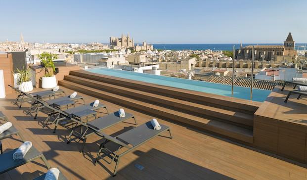 piscina en el nakar hotel en palma de mallorca en diariodesign magazine