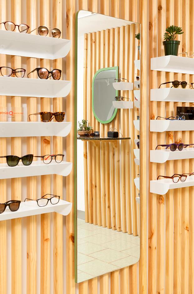 espejo probador de gafas en tienda okio de los arquitectos taller ken