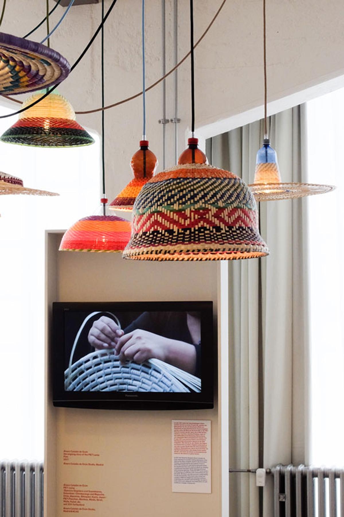 Pet Lamp de alvaro catalan de ocon en la escuela Bauhaus Craft becomes modern diariodesign