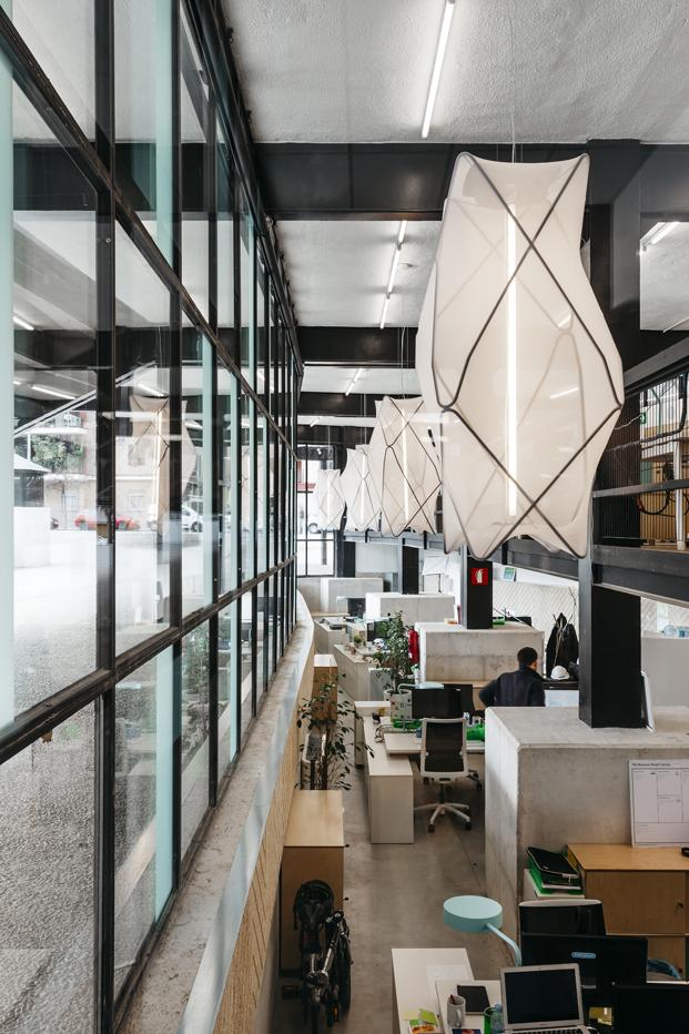nuevo Parque de Investigación Creativa en Barcelona antiguo canodromo diariodesign