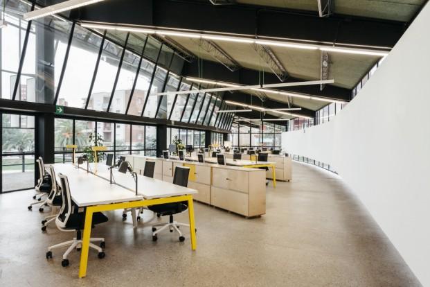 interaccion entre usuarios en el canodromo El nuevo Parque de Investigación Creativa de Barcelona