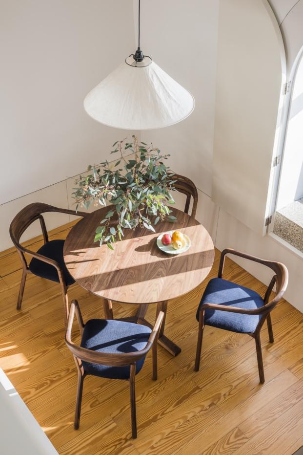 muebles de neri hu en mini apartamento en oporto de Flattered apartments