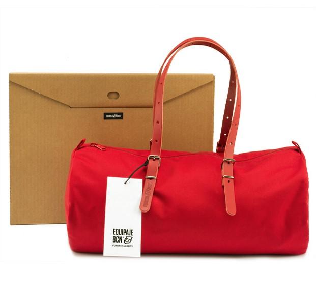 packaging de bolso duffle bag de equipaje bcn en rojo diariodesign