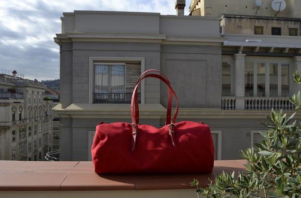 bolsa de viaje de equipaje bcn duffle bag en rojo diariodesign
