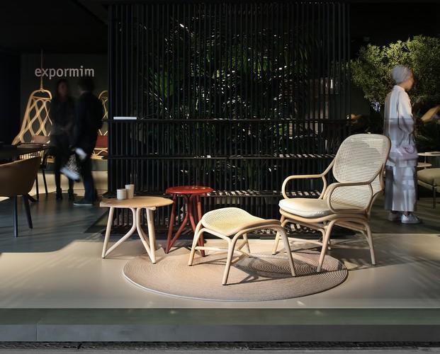 stand diseñado por isern serra de expormim en la feria de milan 2017