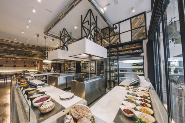 cocina del restaurante honest green en madrid