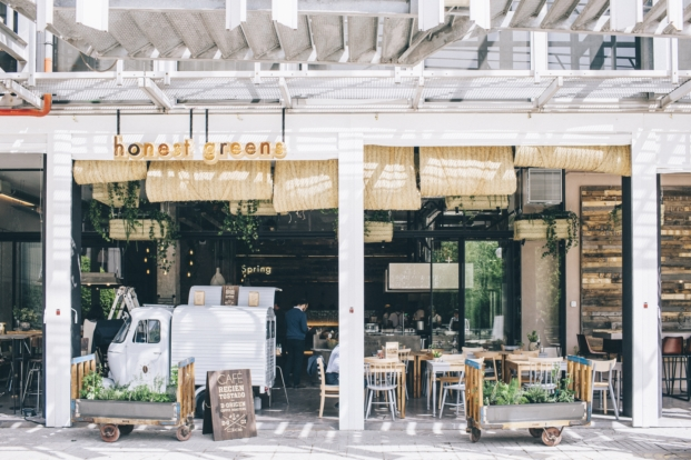 honest greens fachada del restaurante en madrid
